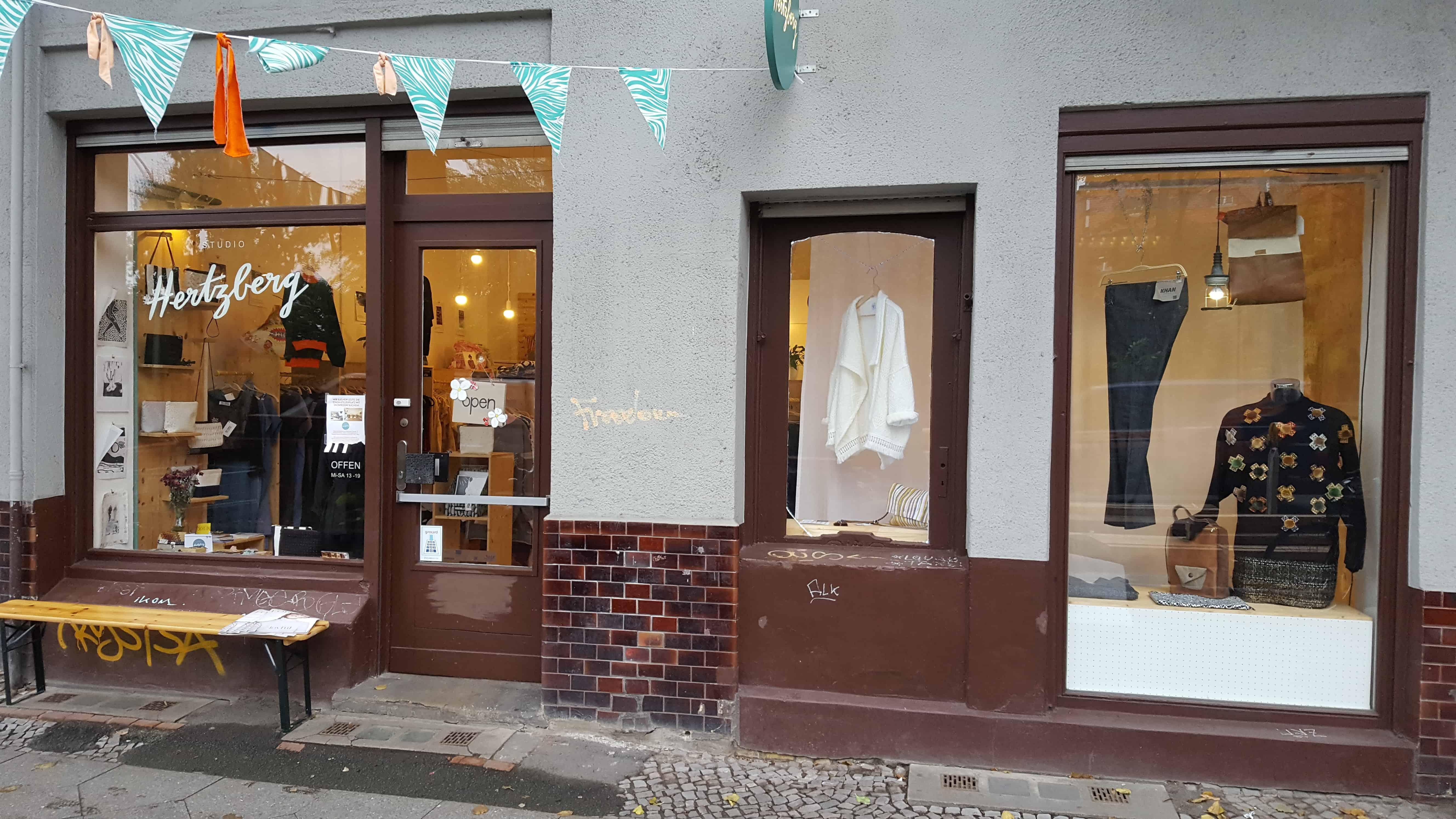 Studio Hertzberg Matrosenhunde Laden Front Sonnenallee Berlin